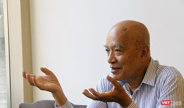 """""""Khi ấy, tôi không nghĩ mình sẽ có cơ hội quay trở về Việt Nam nữa"""", cựu Bộ trưởng Tài chính của chính quyền Sài Gòn Hà Xuân Trừng kể."""