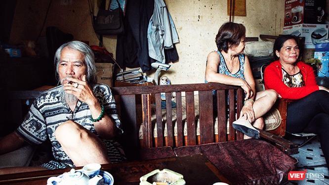Cuộc sống tạm kéo dài hàng chục năm ở khu tạm cư của những người dân Thủ Thiêm. Ảnh: Mai Kỳ.