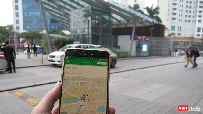 Giám đốc Grab Việt Nam bày tỏ quan ngại khi bị Bộ GTVT áp cơ chế quản lý như taxi truyền thống.