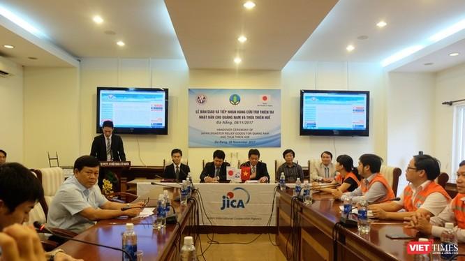 Lễ bàn giao và tiếp nhận hàng cứu trợ thiên tai Nhật Bản cho Quảng Nam và Thừa Thiên Huế.
