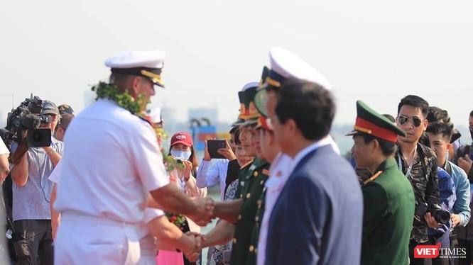 Lễ tiếp đón tàu sân bay USS Carl Vinson tại Cảng Tiên Sa, Đà Nẵng