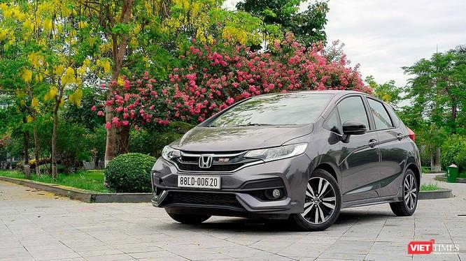Jazz là cái tên mới nhất của Honda gia nhập thị trường xe Việt trong năm 2018. Đây là một chiếc xe nhập khẩu cỡ nhỏ hạng B thuộc dòng xe hatchback 5 cửa. (Ảnh: Ngô Minh)