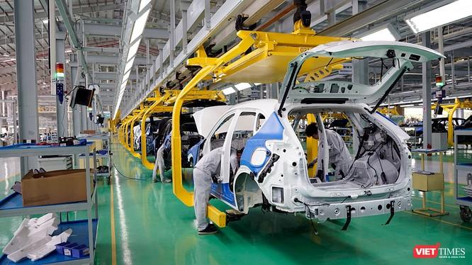 Chính phủ yêu cầu các Bộ, Ngành khi tham mưu xây dựng chính sách phải đảm bảo nguyên tắc khuyến khích sản xuất và lắp ráp ô tô trong nước. (Ảnh: Ngô Minh)