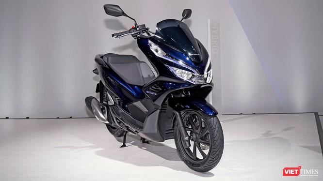 Mẫu xe PCX Hybrid được Honda lần đầu tiên giới thiệu tại triển lãm Tokyo Motor Show 2017. (Ảnh: Ngô Minh)