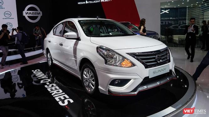 Với một số thay đổi nhỏ ở ngoại thất, Nissan Sunny Q-Series trông cá tính và thể thao hơn rất nhiều. (Ảnh: Ngô Minh)