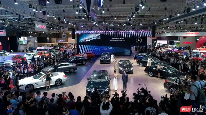 Gian hàng Mercedes-Benz Việt Nam chiếm vị trí trung tâm của triển lãm. (Ảnh: MBV)