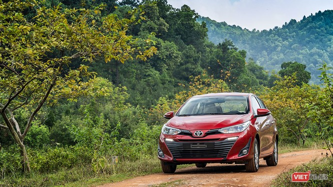 Toyota Việt Nam hiện chưa có động thái giảm giá chính thức nhưng các đại lý đã chủ động giảm giá các dòng xe lắp ráp để kích cầu trong dịp Tết Nguyên dán đang cận kề. (Ảnh: Ngô Minh)