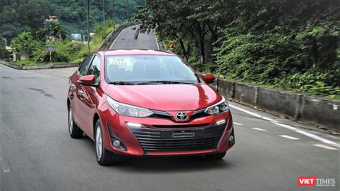 Thị phần của Toyota Việt Nam trên tổng thị trường đã giảm 6% so với cùng kỳ năm ngoái do chịu sự cạnh tranh của hàng loạt mẫu xe mới ra mắt của các đối thủ.