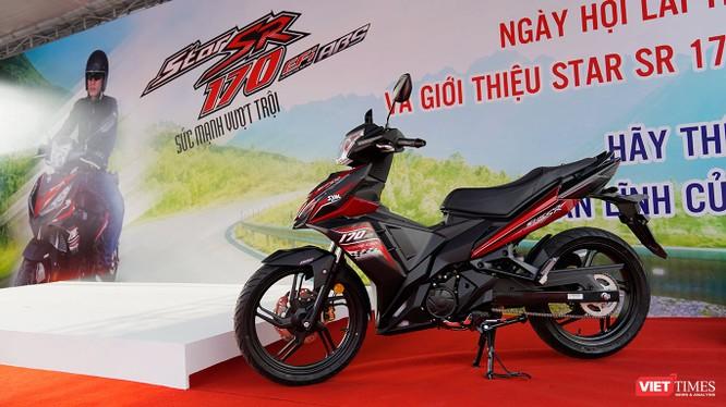 SYM Star SR 170 hiện đang có giá bán đề xuất 49,9 triệu đồng tại Việt Nam cùng 2 tùy chọn màu sắc là đỏ/đen và xanh dương/đen. (Ảnh: Ngô Minh)