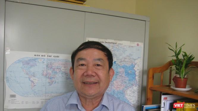 GS TS Vũ Kim Bảng - nguyên Phó viện trưởng Viện Ngôn ngữ học là một trong số rất ít các chuyên gia ngôn ngữ đã tham gia các dự án CNTT