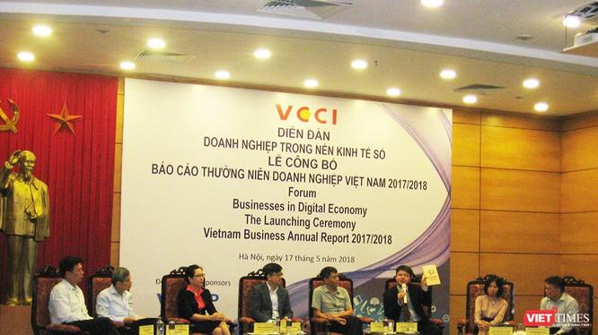 Đại diện các doanh nghiệp thảo luận về thực trạng doanh nghiệp trong nền kinh tế số