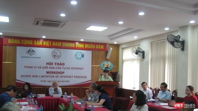 PGS TS Nguyễn Thị Quế Anh - Chủ nhiệm Khoa Luật ĐHQG Hà Nội phát biểu khai mạc hội thảo