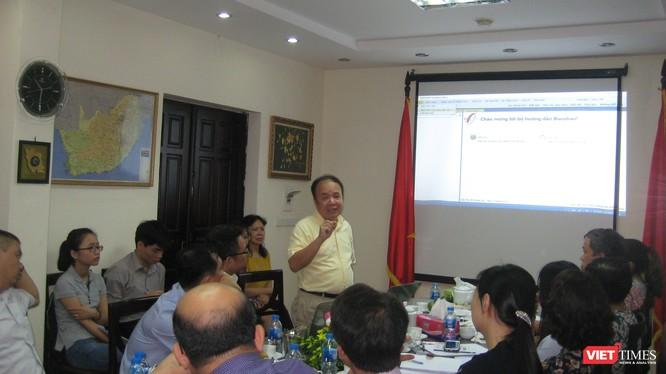 TS Nguyễn Ái Việt - nguyên Viện trưởng Viện Công nghệ Thông tin, ĐHQG Hà Nội giới thiệu về công nghệ dịch thuật