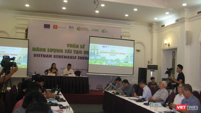 Hội thảo về phát triển điện mặt trời trong khuôn khổ Tuần lễ Năng lượng Tái tạo 2018