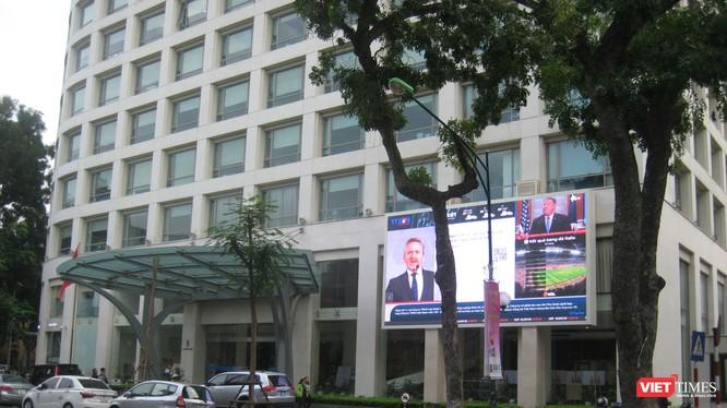 Gần trụ sở Thông tấn xã Việt Nam vốn là địa chỉ quen thuộc để mua báo in thì nay không còn sạp báo nào