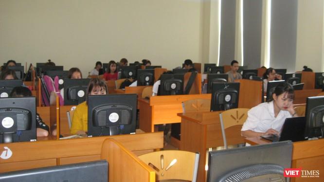 Một lớp học thực hành tại Đại học CNTT-TT Thái Nguyên.