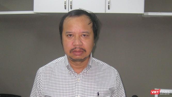 Nhà báo Nguyễn Đức Hoàng