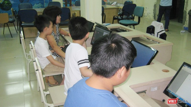 Một lớp dạy tin học ở Cung Thiếu nhi Hà Nội