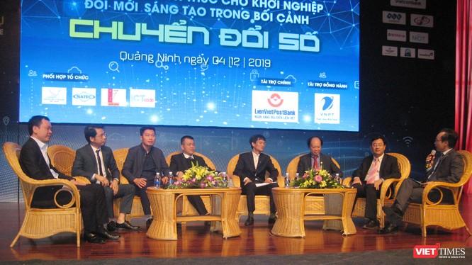 Các diễn giả trong phần giao lưu của hội thảo