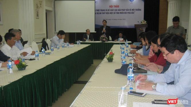 TS Phan Tùng Mậu - Phó Chủ tịch Liên hiệp các hội Khoa học và Kỹ thuật Việt Nam chủ trì hội thảo