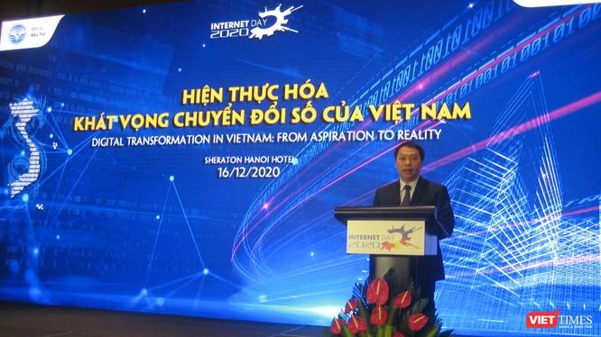 """Thứ trưởng Bộ Thông tin và Truyền thông Nguyễn Huy Dũng: """"Bây giờ là lúc thể hiện khát vọng đưa những dấu chân số Việt Nam ngày càng đi xa hơn và in dấu đậm nét trong không gian mạng toàn cầu"""""""