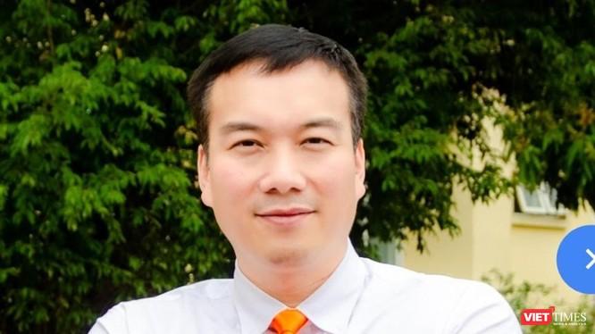 Nhà báo Nguyễn Đức Tài nay là Trưởng Khoa Thương mại Điện tử và Kinh tế số ở Đại học Đại Nam