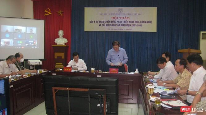 TS Phan Xuân Dũng - Chủ tịch Liên hiệp các hội khoa học và kỹ thuật Việt Nam và TS Bùi Thế Duy - Thứ trưởng Bộ Khoa học Công nghệ chủ trì hội thảo