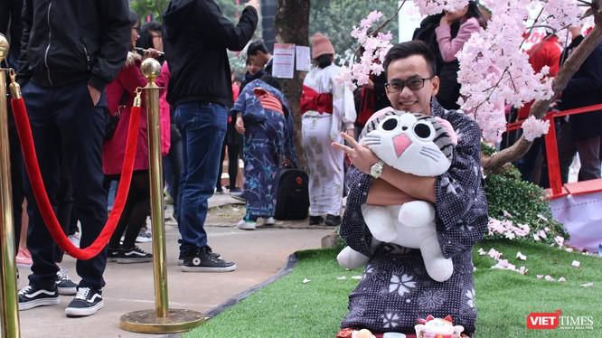 Người tham dự thích thú trải nghiệm ngày Tết Nhật Bản ở Hà Nội