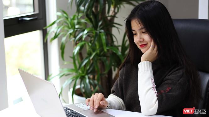 Trên thị trường có khá nhiều mẫu laptop có cấu hình mạnh mẽ nhưng mỏng, nhẹ phù hợp với công việc văn phòng