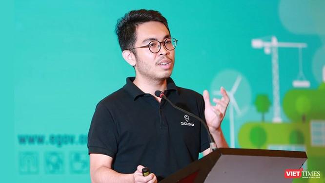 ông Hà Thế Phương - Phó TGĐ công ty bảo mật CMC phát biểu tại Hội thảo quốc gia về Chính phủ Điện tử