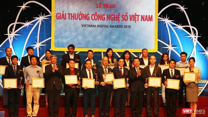 Giải thưởng Công nghệ số Việt Nam 2018 dù được tổ chức lần đầu tiên nhưng đã nhận được sự ủng hộ nhiệt tình của cộng đồng doanh nghiệp, khởi nghiệp công nghệ.