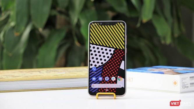 Nokia 8.1 có nhiều ưu điểm trong thiết kế