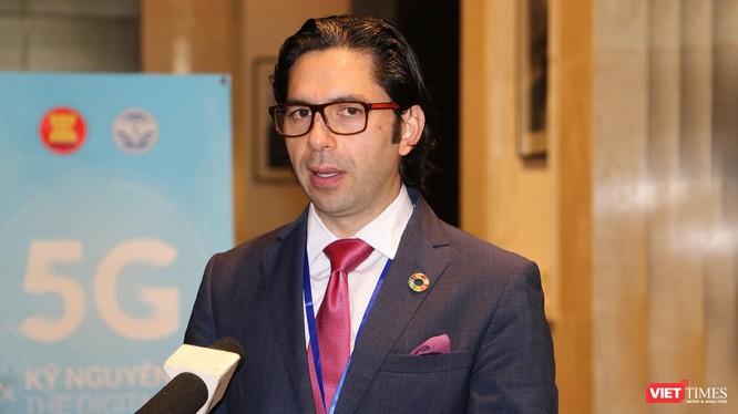 ông Cristian Gomez tại Hội thảo ASEAN về 5G