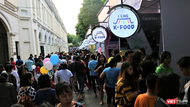 Rất đông người dân thủ đô đã tới tham dự Lễ hội văn hóa và ẩm thực Hàn - Việt 2019