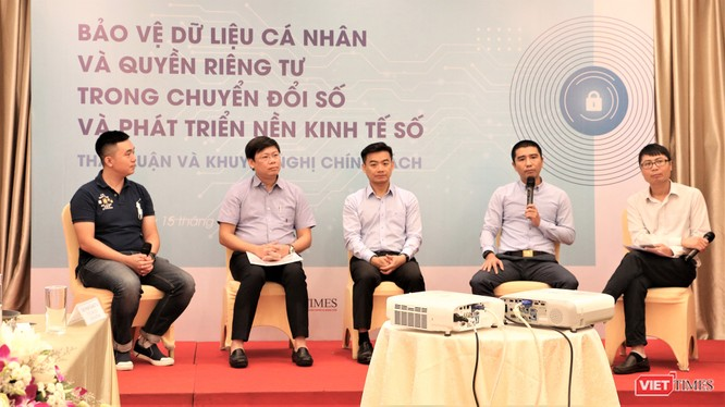 Các chuyên gia thảo luận tại hội thảo về bảo vệ dữ liệu cá nhân (ảnh: Đăng Khoa)