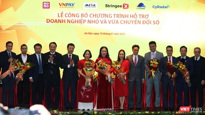 Các đơn vị cung cấp giải pháp công nghệ Make in Vietnam đồng hành cùng chương trình hỗ trợ doanh nghiệp vừa và nhỏ (SMEs) chuyển đổi số.