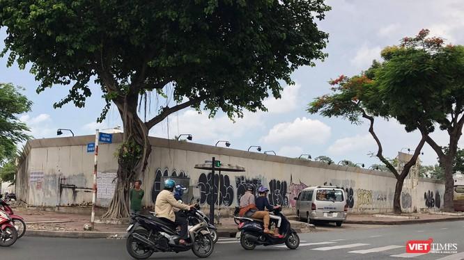 Theo Vinataba, hợp đồng liên doanh quy định giá trị khu đất 30.972,7 m2 tại 152 Trần Phú, Quận 5, Tp. HCM là 1.302,3 tỷ đồng. (Ảnh: N. Hà)