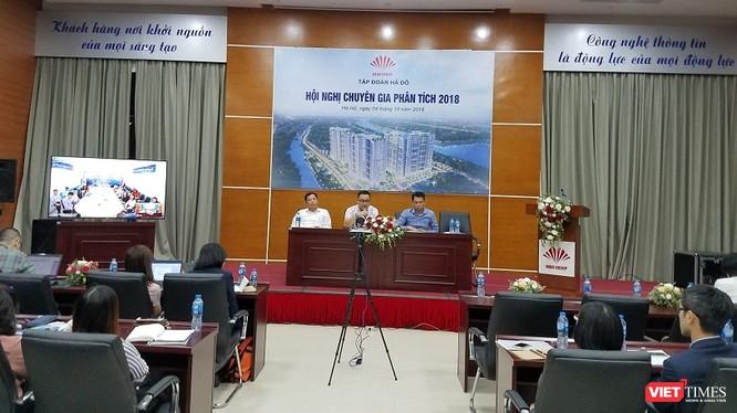 Quang cảnh Hội nghị chuyên gia phân tích 2018 của HDG ở đầu cầu Hà Nội. (Ảnh: X.T)