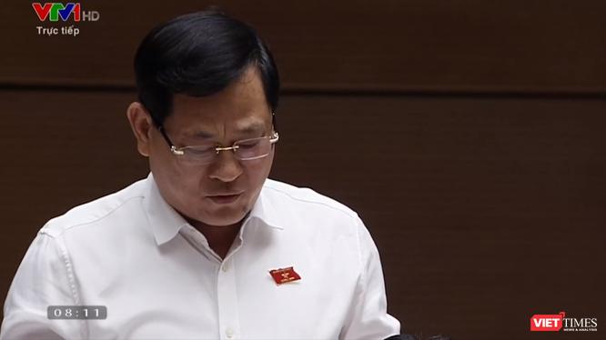 Đại biểu Quốc hội Nguyễn Hữu Cầu, Giám đốc Công an tỉnh Nghệ An. (Ảnh chụp màn hình)