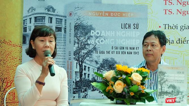 TS. Nguyễn Thị Hậu và TS. Nguyễn Đức Hiệp đưa ra những góc nhìn sâu sắc và thú vị về lịch sử doanh nghiệp và công nghiệp Nam kỳ