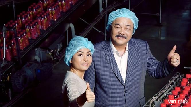 Cha con doanh nhân Trần Quí Thanh, Trần Uyên Phương gầy dựng và điều hành tập đoàn Tân Hiệp Phát