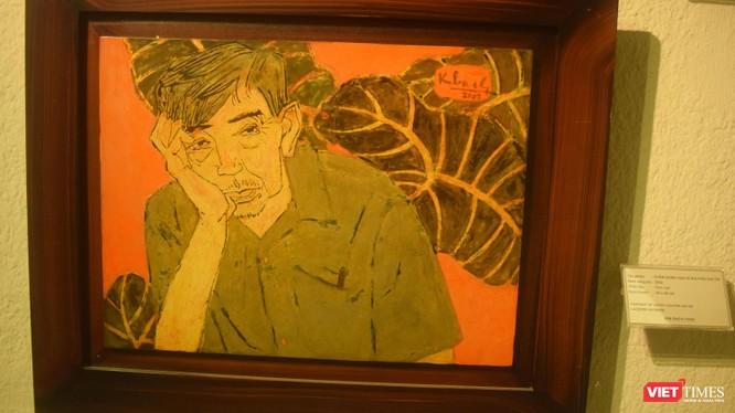 """Tranh sơn mài """"Chân dung họa sĩ Nguyễn Gia Trí"""" (do họa sĩ Kim Bạch thực hiện năm 2002)"""