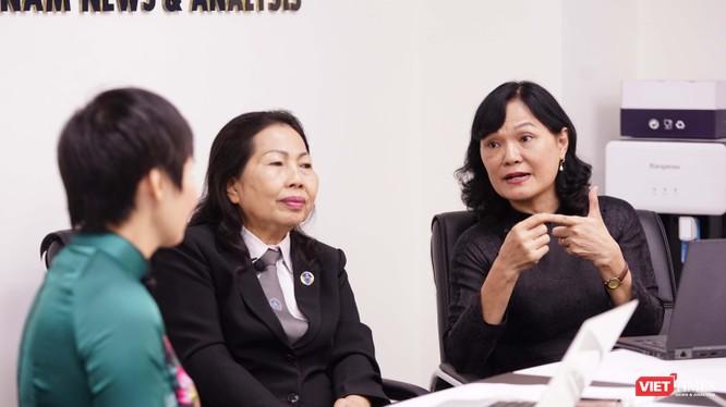 Nhà báo Hòa Bình (Tạp chí điện tử VietTimes), luật sư Trần Thị Ngọc Nữ và bác sĩ Nguyễn Lan Hải