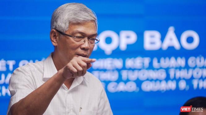 Ông Võ Văn Hoan - Phó Chủ tịch UNBD TP.HCM chủ trì cuộc họp báo chiều 14/8 (Ảnh: Phạm Nguyễn)