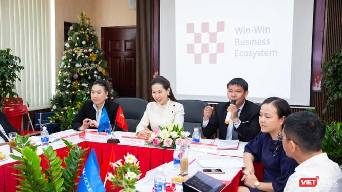 Ông Trương Văn Toản - Phó Giám đốc Win Home phát biểu tại cuộc gặp gỡ báo chí sáng 11/12