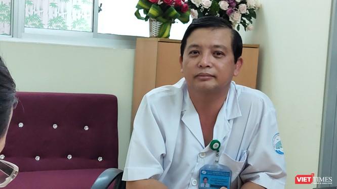 Bác sĩ Nguyễn Thanh Phong - Trưởng khoa Nhiễm D - BV Nhiệt đới, TP.HCM (Ảnh: Hòa Bình)