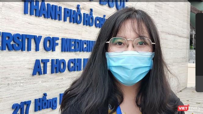 Sinh viên ĐH Y Dược TP.HCM tự hào được đi học trở lại giữa mùa dịch bệnh COVID-19 (Ảnh: Hòa Bình)