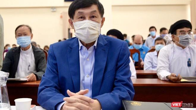 Ông Johnathan Hạnh Nguyễn, Chủ tịch Tập đoàn Liên Thái Bình Dương đã tài trợ 30 tỷ đồng cho công tác chống dịch COVID-19 và hạn mặn miền Tây (Ảnh: TTBC)
