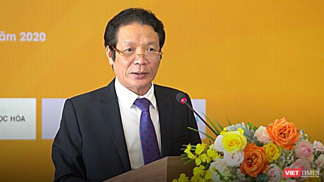 Thứ trưởng Hoàng Vĩnh Bảo, Chủ tịch Hội Xuất bản Việt Nam phát biểu khai mạc hội sách trực tuyến đầu tiên (Ảnh: Đăng Khoa)