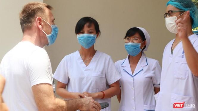 TP.HCM có 2 bệnh nhân bị dương tính trở lại sau khi được tạm biệt bác sĩ tại BV Dã chiến Củ Chi (Ảnh: Đình Nguyên)